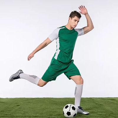 足球服踢足球衣服款式图片