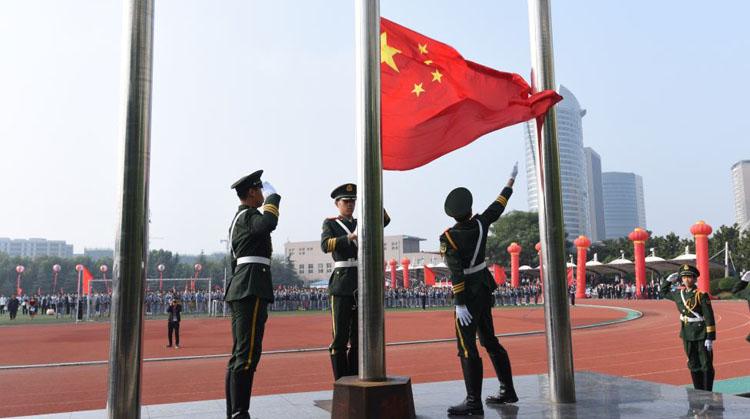 南宁小学生升国旗服装款式图