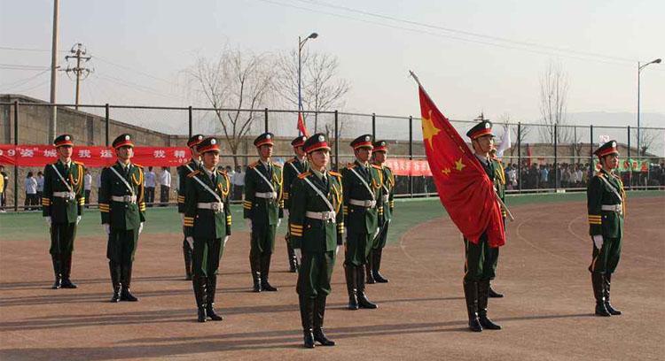 南宁小学生升国旗服装款式图2