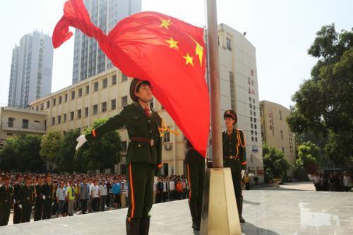 南宁小学生升国旗服装款式图3