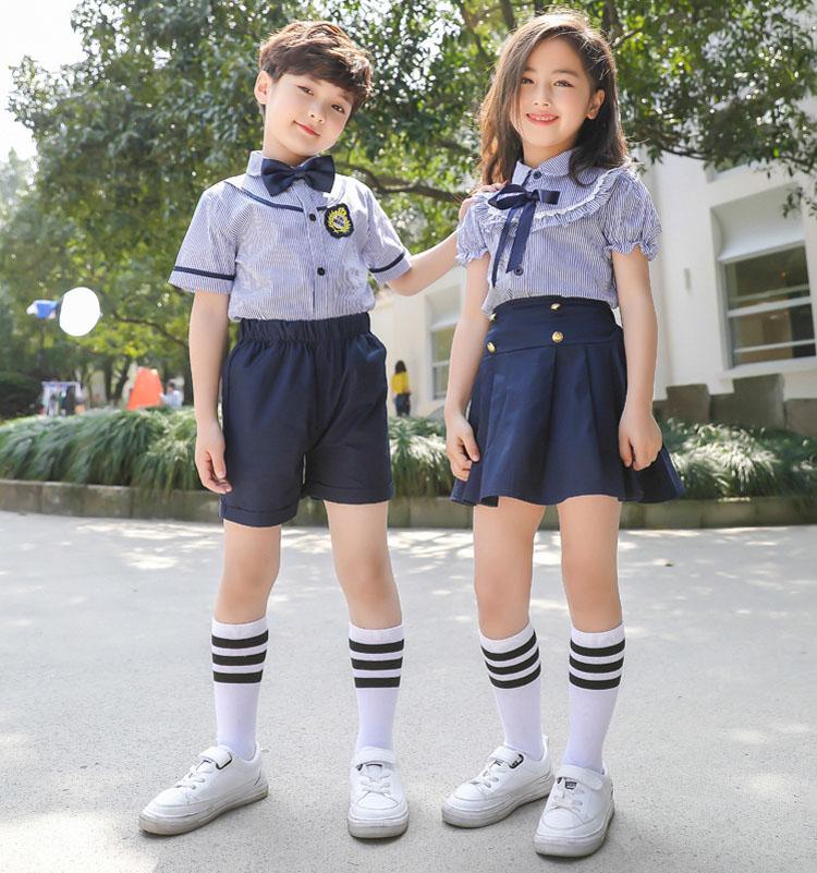学生校服图